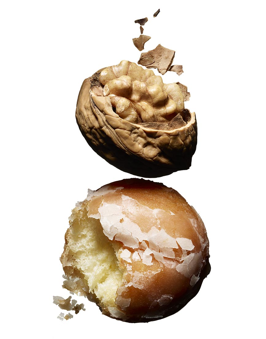 DONUT AND WALNUT